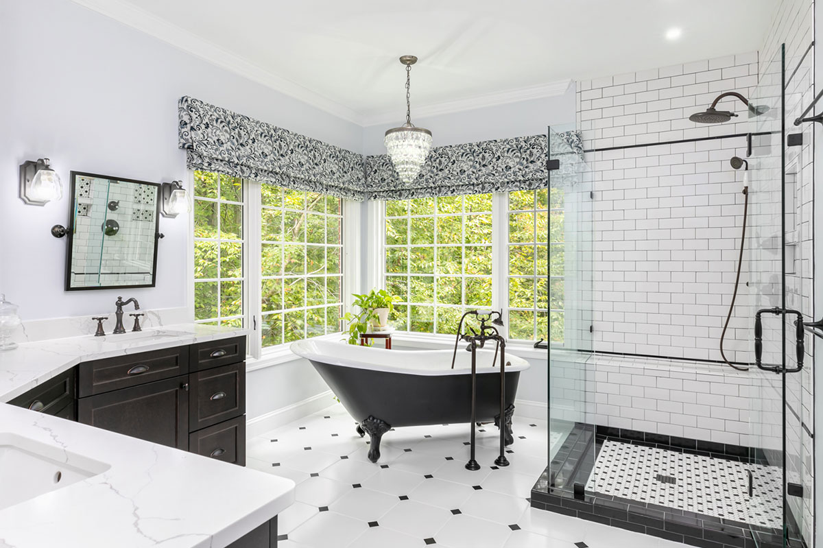 Bold and Retro Master Bathroom